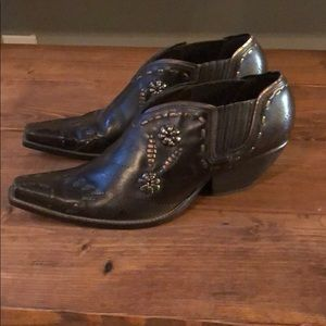 BCBG ankle western boots